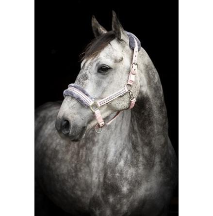 Källquist Grimma Horse Unique Med Päls